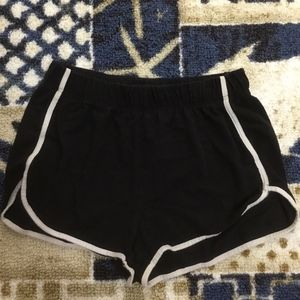 CUTE BLACK LOOSE SHORTS SIZE 2